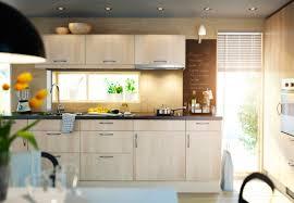 cuisine equipee bois attractive cuisine equipee noir et blanc 13 cuisine en bois ikea