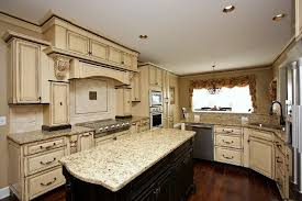 Kitchen Cabinet Glaze Attractive Antique White Glazed Kitchen Cabinets Great Kitchen