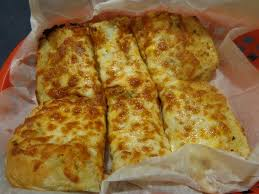 round table pizza san lorenzo garlic bread with cheese 3 99 8 5 10 our pieces could have been