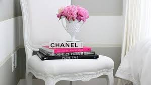 21 Cool Ways to Use Books as Decoration in Your Home