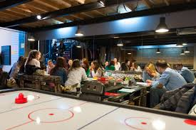 what u0027s behind the surprising trend of board game cafés