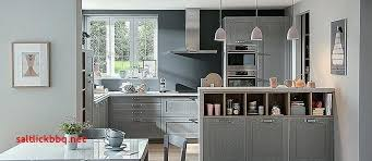 deco cuisine taupe deco cuisine taupe cuisine blanche mur taupe awesome decoration