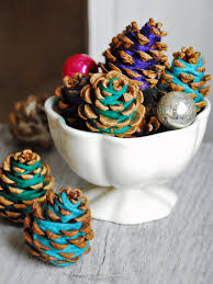 77 diy christmas decorating ideas pinecone hgtv and handmade