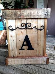 Free Wooden Garbage Box Plans by Wooden Pallet Trash Bin