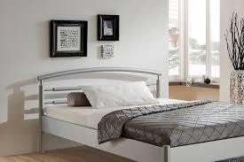 Schlafzimmer Mit Metallbett Metallbett Julia In Verschiedenen Farben Und Größen Von Dico