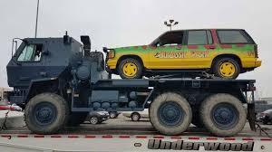 jurassic world jeep jurassic world fallen kingdom set photo reveals a familiar vehicle