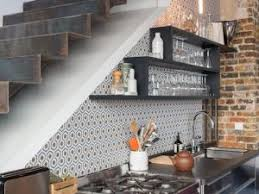 cuisine sous escalier cuisine sous escalier amazing luespace sous les escaliers est