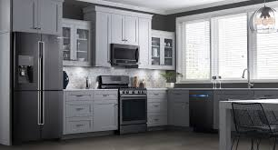 Kitchen Colors With Oak Cabinets And Black Countertops by Kitchenaid Vs Samsung Black Stainless Steel Appliances Reviews