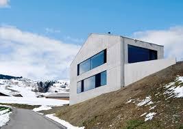 hurst song architekten betonhaus in den bergen satteldach