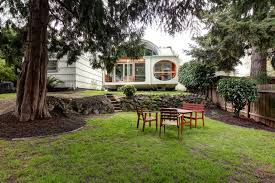 Sloping Backyard Landscaping Ideas Small Sloping Backyard Houzz