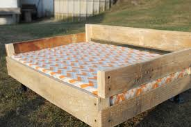 Where To Buy Bed Frame by Bed Frames Queen Size Pallet Bed Diy Pallet Bed Instructions