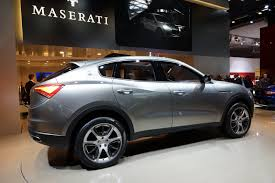 suv ferrari iaa 2011 maserati u0027s jeep based but ferrari powered kubang suv