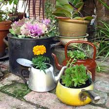 creative backyard ideas for spring decorating with flowers and