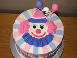 Halloween Cakes Recipes Kids by Best 25 Clown Cake Ideas On Pinterest Clown Birthday Parties
