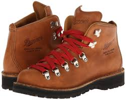danner mountain light amazon size 6 5 stumptown by danner women s mountain light cascade hiking