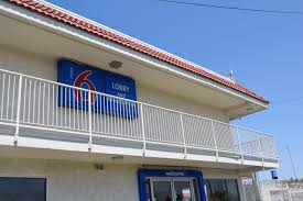 Motel 6 We Ll Leave The Light On For You Two Phoenix Motel 6 Locations Agree To Stop Reporting Guests To