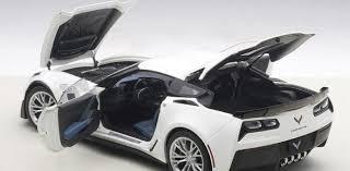white c7 corvette autoart corvette c7 z06 arctic white diecastsociety com
