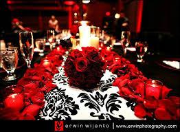 mariage baroque baroque et roses rouges photo de chemins de table organisez