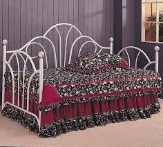 Iron Daybed With Trundle Daybeds