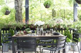 small outdoor spaces 3 decor strategies for small outdoor spaces v i y e t