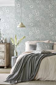 Interior Wallpaper Desings by Best 25 Blue Floral Wallpaper Ideas On Pinterest Floral