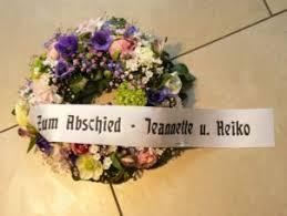 trauerkranz sprüche trauerkränze trauergestecke zur beerdigung trauerfloristik