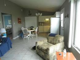 chalet cuisine intérieur du chalet salon et salle à manger cuisine picture of