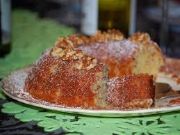 une plume dans la cuisine gâteau moelleux aux noix et au rhum une plume dans la cuisine