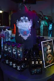 orlando halloween horror nights 2010 exciting new halloween horror nights 26 merchandise now available