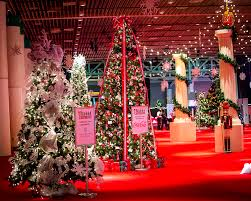 christmas tree decorator showcase nola christmasfest