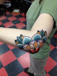30 amazing traditional tattoo designs all pinterest