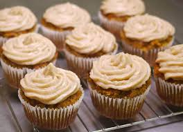 frosting for pumpkin cupcakes pumpkin cupcakes with cream cheese