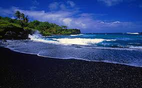 black sandy beach in hawaii places to see in your lifetime