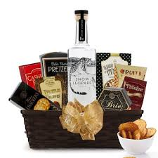 vodka gift baskets buy snow leopard vodka gift baskets online vodka gift