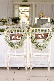 mr and mrs wedding signs glitz wedding at the 12 apostles hotel by aglow photography