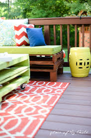 Pallet Furniture Living Room Diy Pallet Furniture A Patio Makeover