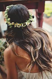 getting fullness on the hair crown wedding paraphernalia source http www lesloupspicturesandsongs