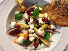 restaurant le bureau salade de fruits frais picture of restaurant le bureau neuchatel