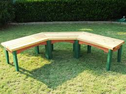 Building Wooden Garden Bench by How To Build A Semi Circular Wooden Bench How Tos Diy
