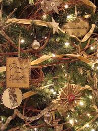 40 tree decorating ideas hgtv tree and ornament