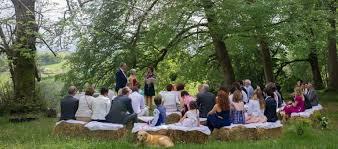 cã rã monie mariage laique cérémonie de mariage laïque par une célébrante officiante en