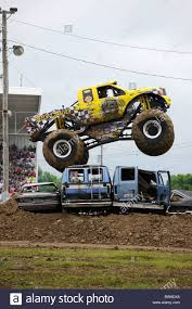 monster truck videos freestyle monster truck big daw u0027g at freestyle competition at 4x4 off road