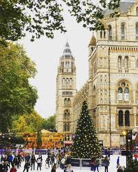 a classic christmas in london a traveler s best christmas destinations for a winter city hostelworld