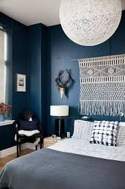 bohemian chic interior decor relaxed aesthetic navy bedrooms