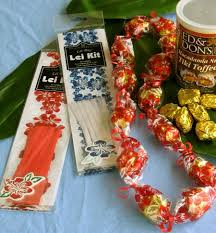 candy leis hawaiian candy kit kit makes 5 leis with your candy