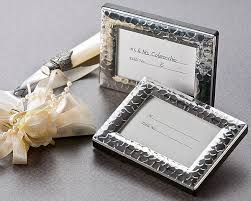 picture frame wedding favors photo frames wedding favors by do me a favor gifts canada