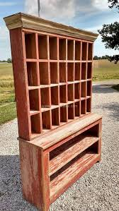 Wood Pallet Furniture Best 25 Pallet Hutch Ideas On Pinterest Southwestern Toy
