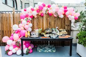 coral baby shower it s a girl tips for throwing a baby shower everyday pursuits