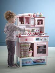 jouer a cuisiner cuisine en bois idée cadeau pour fille http