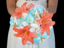 wedding bouquets with seashells turquoise tipped calla lilies seashells and starfish make a